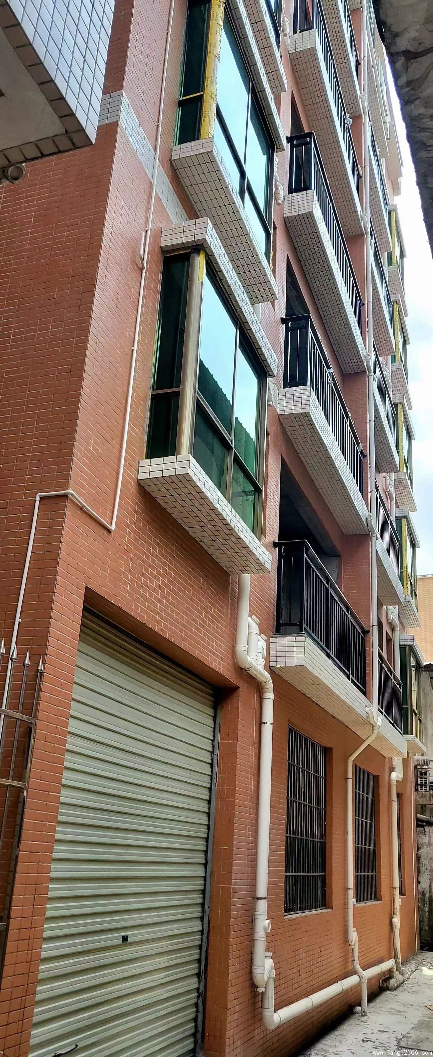 <b>寮步小产权房《七星楼》香市公园旁 3980一平 分期5年</b>