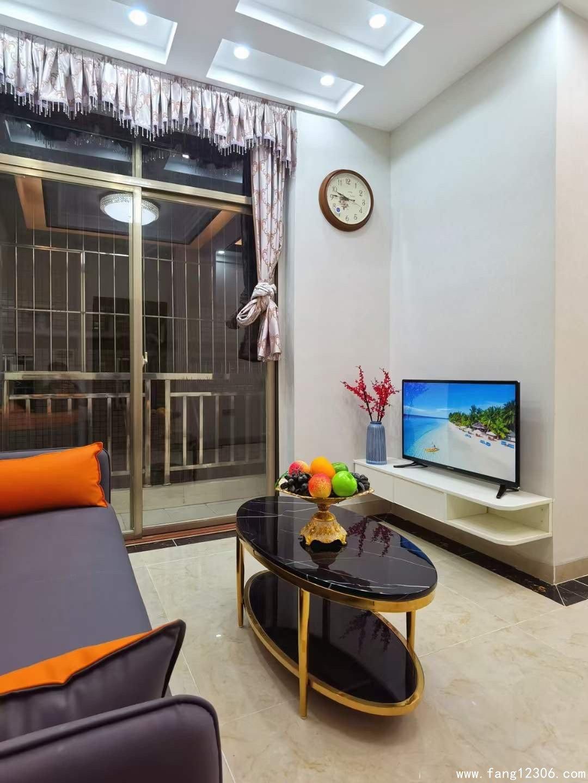 <b>龙岗最新出售小产权房《龙峰雅居》距离3号线地铁口南联站800米</b>
