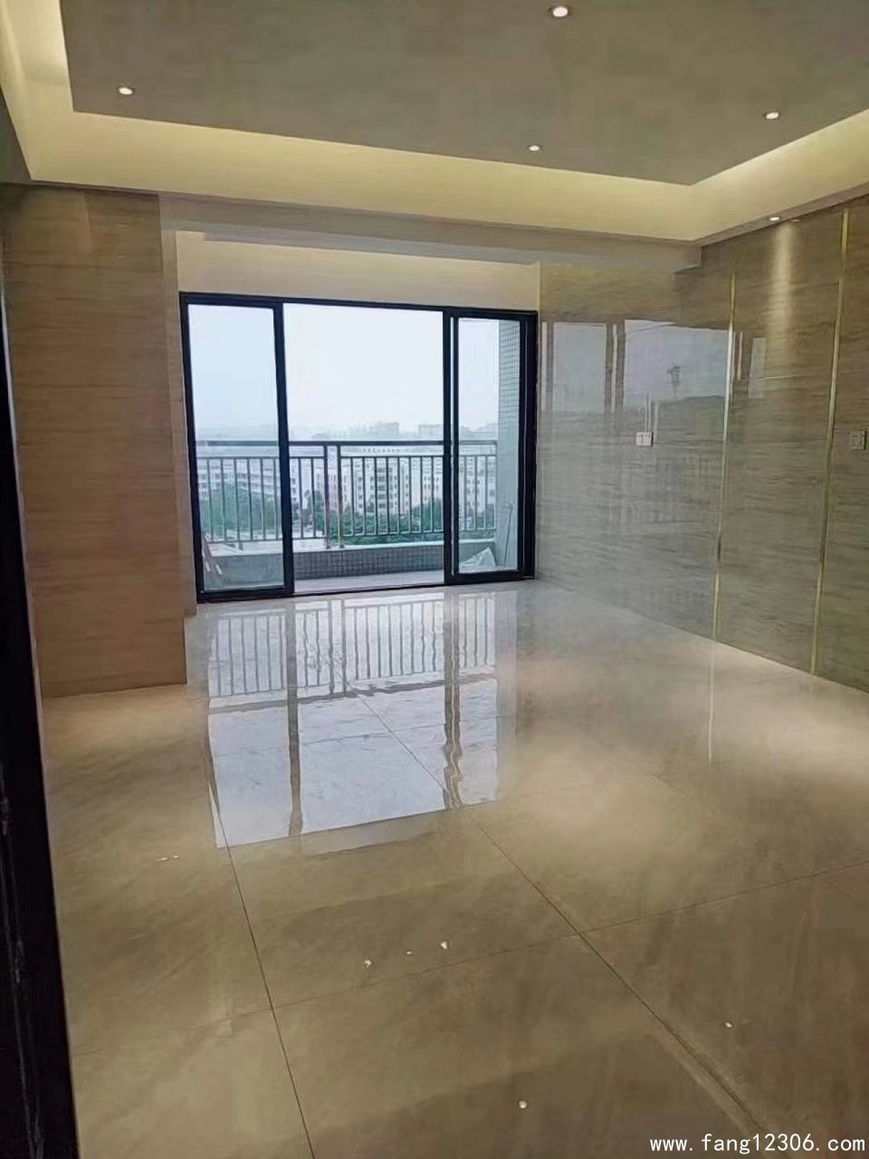 与深圳一桥之隔,长安滨海新区小