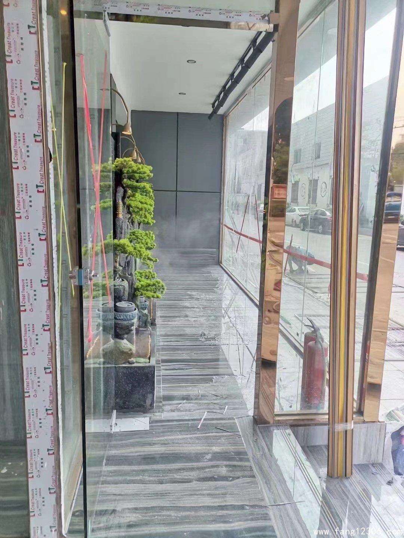 <b>观澜新田《新城•湖滨花园》三栋小区房全新精装超高品质</b>